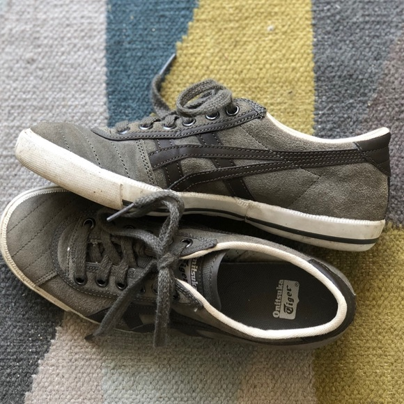 timeless design a8ec1 06cae Onitsuka Tiger sneakers youth 4.5, women's 6.5